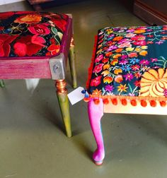 6 Far-Sighted Cool Tricks: Upholstery Corners Little Green Notebook upholstery armchair offices.Upholstery Corners Little Green Notebook upholstery tufting living rooms. Upholstery Repair, Upholstery Nails, Upholstery Cushions, Upholstery Cleaner, Furniture Upholstery, Painted Furniture, Unique Furniture, Upcycle Home, Little Green Notebook