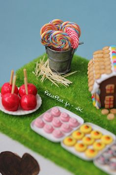 Miniature Dessert Table - Animal Farm