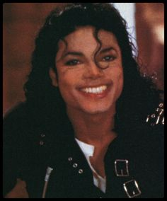 He had the most beautiful Smile in the World Michael Jackson Neverland, Michael Jackson Bad Era, Michael Love, Beautiful Smile, Most Beautiful, Invincible Michael Jackson, Jackson Music, Jackson 5, Picture Song