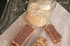 Peanut Butter Cup no-bake Granola Bars