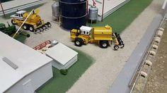 Rc Tractors, Livestock Farming, Chevy Diesel Trucks, Toy Display, Model Hobbies, Model Building Kits, Farm Toys, Case Ih, Diecast Model Cars