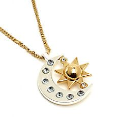 Pasta do Sou Luna Cute Jewelry, Jewelry Accessories, Jewelry Necklaces, Washer Necklace, Gold Necklace, Son Luna, Dove Cameron, Gay Couple, Roller Skating