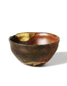 Ragu kom, tea bowl, anonymous, 1650-1750. Earthenware with golden kintsugi repair. Edo period, Japan. Via Rijksmuseum