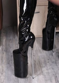 👑Goddess in Boots&Heels 👑 Thigh High Boots Heels, High Heels Stilettos, Heeled Boots, Extreme High Heels, Thigh Highs, Leather, Beautiful, Shoes, Fashion