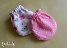 Baby mittens by Craftaholic