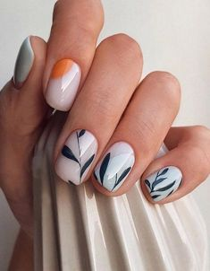 White nails are the standard for girls in summer. If you like white nails, the more than 80 white nail design ideas here may surprise you this summer. Stylish Nails, Trendy Nails, Cute Nails, Nagel Bling, Minimalist Nails, Manicure E Pedicure, Dream Nails, Nagel Gel, Flower Nails