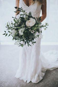 wedding dress and bouquet inspo White Wedding Flowers, Bridal Flowers, Floral Wedding, Wedding Colors, September Wedding Flowers, Wedding Themes, Wedding Goals, Dream Wedding, Wedding Day