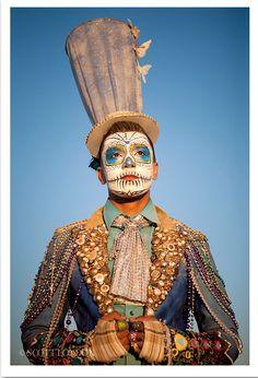 burning man - awesome Festival or Halloween mask for you Burning Man Mode, Burning Man Style, Burning Man Fashion, Mardi Gras Costumes, Halloween Costumes, Male Costumes, Clown Costumes, Halloween 2013, Halloween Makeup