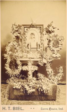 """I love these elaborate images of what I refer to as """"home memorial shrines"""". This reflects a different way of thinking about funeral flower. Funeral Photography, Post Mortem Photography, Victorian Homes, Victorian Era, Victorian Steampunk, Funeral Flowers, Memento Mori, Macabre, Vintage World Maps"""