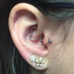 Fresh tragus piercing by Poh