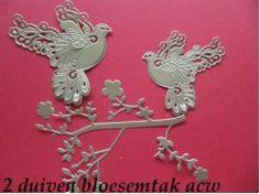 7b) stansjes oplegkaartjes 2 duiven bloesemtak goud