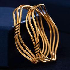 Kadli Bangles gms) - Fancy Jewellery for Women by Jewelegance Plain Gold Bangles, Gold Bangles Design, Gold Earrings Designs, Gold Jewellery Design, Indian Gold Bangles, Diamond Jewellery, Real Gold Jewelry, Gold Jewelry Simple, White Gold Jewelry