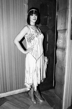 lata 30 suknia