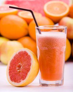 Brugnon juice, pink grapefruit and orange home (with mixer) Ingredients . Fruit Drinks, Fruit Snacks, Beverages, Fruit Blender, Mixer, Fruit Salad Recipes, Fruit Party, Grapefruit Juice, Best Fruits