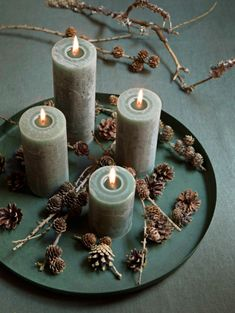 4 nemme adventskranse du kan lave i en fart Christmas Advent Wreath, Diy Christmas Lights, Nordic Christmas, Christmas Table Decorations, Rustic Christmas, Christmas Diy, Advent Wreaths, Romantic Candles, Christmas Interiors