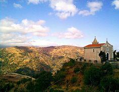 Limina (ME) - La chiesetta di San Filippo sospesa nel vuoto tra i monti dell'alta Val d'Agrò   da Lorenzo Sturiale