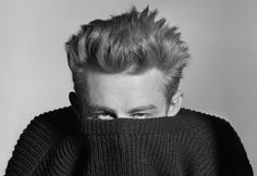 Phil Stern's Classic Hollywood Photo of James Dean, Vanity Fair Hollywood Photo, Classic Hollywood, Old Hollywood, Foto Portrait, Portrait Photography, White Photography, Photo Vintage, Famous Faces, Movie Stars