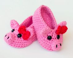 I have a list of 30 of the best free crochet baby booties patterns for your inspiration. Basic Crochet Stitches, Crochet Basics, Crochet For Beginners, Crochet Patterns, Unique Crochet, Diy Crochet, Crochet Hooks, Crochet Ideas, Crochet Baby Booties