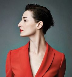 Erin O'Connor, photographed by Emma Summerton Face Reference, Photo Reference, Photo Portrait, Portrait Photography, Big Nose Beauty, Hooked Nose, Erin O'connor, Face Profile, Profile Photo