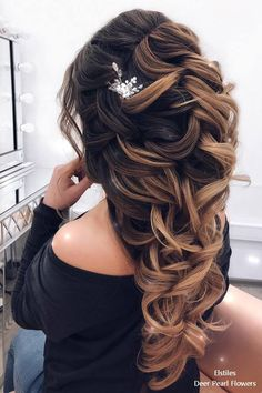 Wedding Hairstyles For Long Hair 18 Long Wedding Hairstyles for Bride from Elstiles – My Stylish Zoo - 18 Long Wedding Hairstyles for Bride from ElstilesAre you in the midst of planning for your wedding day? Quince Hairstyles, Wedding Hairstyles For Long Hair, Formal Hairstyles, Bride Hairstyles, Hairstyles 2016, Romantic Wedding Hair, Short Wedding Hair, Luxury Wedding, Stylish Hair