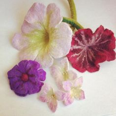 #felted #feltart #feltflower #feltflowers #gefilzt #nassgefilzt #filzblume