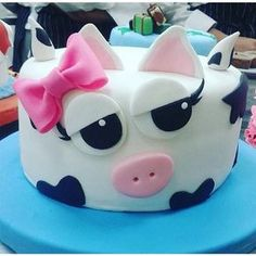 Cake Decorating – The Wedding Cake Cow Cakes, Baby Cakes, Decors Pate A Sucre, Animal Cakes, Novelty Cakes, Love Cake, Pretty Cakes, Cake Creations, Creative Cakes