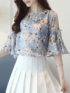 Buy open shoulder printed bell sleeve chiffon blouse online with cheap pric Blouse Styles, Blouse Designs, Sleeves Designs For Dresses, Chiffon, Classy Casual, Grunge Style, Fashion Dresses, Fashion Blouses, Half Sleeves