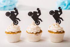 Birthday Cakes For Men, Happy Birthday Cake Topper, Man Birthday, Motorcycle Birthday Cakes, Motorbike Cake, Cupcakes For Men, Mini Cupcakes, Engagement Cupcakes, Big Cakes