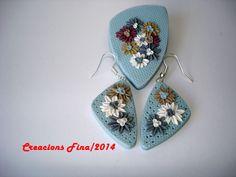 Conjunto flores en relieve