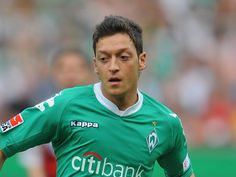 Real Madrid make unsuccessful bid for Werder Bremen's Mesut Özil - Real Madrid transfer bid Özil : Bundesliga side, Werder Bremen have confirmed that Spanish giants Real Madrid have made a bid for Mesut Özil, which the German side rejected. Rugby League, Champions League, Ozil Mesut, Real Madrid Manager, Wayne Rooney, Thing 1, Sunderland, Best Player, One Team