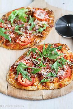 BLT Naan Pizza Recipe with Bacon, Arugula & Tomato | cookincanuck.com