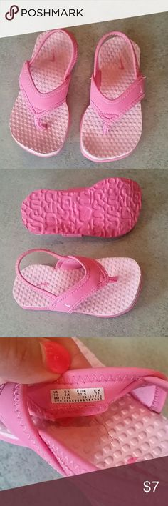 Adorable Nike Toddler Girls Sandals Super cute sandals with minor wear, a little bit of dirt which is not very noticeable. My daughter only wore a few times before outgrowing. Nike Shoes Sandals & Flip Flops