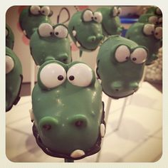 Alligator Cakepop~                   By redbank flavour, green, head