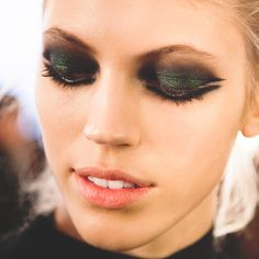 Dark eye makeup - 2015 Spring Pastels - Maybelline Trends