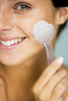 Jojoba Oil Vs. Coconut Oil for skincare