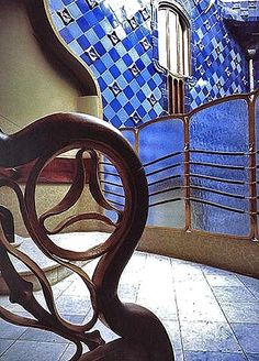 La Casa Batlló, Antoni Gaudí. 1904-1906. Barcelona, Catalonia, Spain. Wrought Iron staircase banister.
