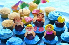 Pool Party Cupcakes! I HAVE to make these this summer.