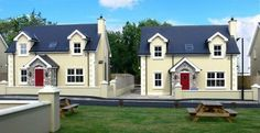No 4 Brooke Cottages is a newly built 4 bedroom holiday home located in the popular holiday resort of Portsalon in North Donegal. This beaut...