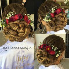Curled bun, bridal hair