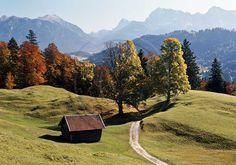Garmisch-Partenkirchen Gschwandt gegen Wetterstein und Karwendel in ...I miss it so much, I can't even start to describe this feeling.