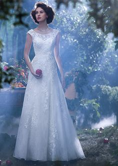 Disney's 2014 wedding dress collection: Which princess would you be? Snow White-inspired gown is all Old Hollywood glamour and we want it, right down to the gorgeous cap sleeves and optional floor-length sheer shawl. Love the apple brooch, too.
