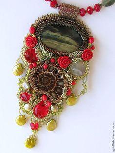 """Купить Кулон-колье _""""Долина роз"""" - ярко-красный, зелёный, коричневый, золотистый, кулон, колье"""