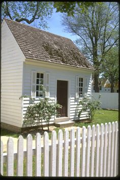 foley - colonial williamsburg - little white house - OH SO CUTE.... can I live there please?!
