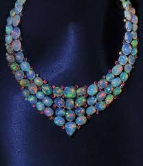 Opal is my birthstone. I would looove to have a nice/simple opal ring. The stones of this necklace are gorgeous. Ruby Necklace, Ruby Jewelry, I Love Jewelry, Jewelry Box, Jewelry Accessories, Fine Jewelry, Jewelry Design, Jewlery, Emerald Earrings