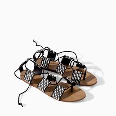 Image 1 of BRAIDED FLAT-SOLE SANDAL from Zara