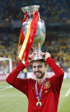 My baby Gerard Pique ; Spain Football, Spain Soccer, Football Team, Soccer Teams, Soccer Players, Euro 2012, Sports Stars, Fc Barcelona, Sexy Men