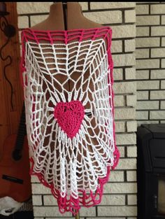 Top. Crochet, Tops, Accessories, Crochet Hooks, Shell Tops, Crocheting, Chrochet