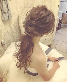 ✈️Yukari Ogaya Hair&Makeup🛩さんはInstagramを利用しています:「Hawaii wedding reception style... 🥂 ヘッドアクセサリーは無し。 その分ヘアに動きをつけて🌟 Hair&makeup by @yukariogaya #ハワイ#ハワイウェディング…」 Party Hairstyles, Bride Hairstyles, Cool Hairstyles, Bridesmaid Hair, Prom Hair, Curly Hair Styles, Natural Hair Styles, I Like Your Hair, Hair Arrange
