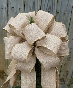 Burlap Tree Topper - Christmas Tree- I want to do this for christmas. Mom b. Wanna help?