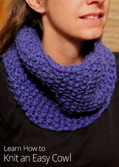 New to circular needles? This is the perfect knitting project for circular needle beginners! This cowl uses one skein of yarn and can be completed in one night.